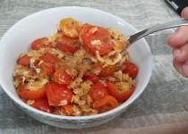פתיתים עם עגבניות צלויות וגבינת פקורינו